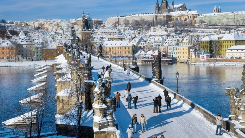 Charles bridge in Winter